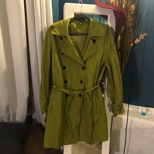 Kenneth Cole light trench coat green